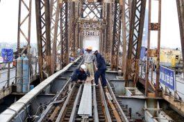 Thi công Làm sạch gỉ sắt và sơn cầu đường sắt cầu đường bộ bằng phun cát áp lực