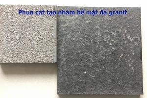 Phun cát tạo nhám trên bề mặt đá granite